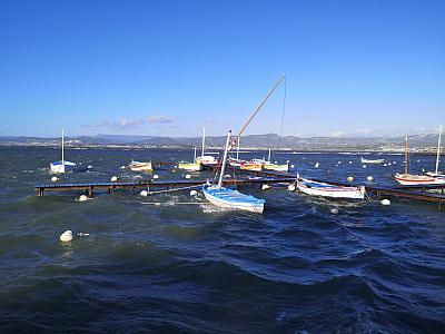 La tempête Fabien sur les pointus de la lagune du Brusc